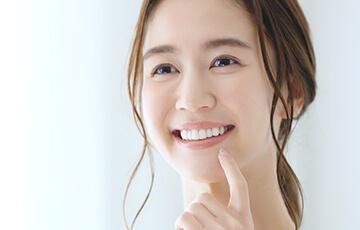 ホワイトニングで削らずに白く美しい歯に